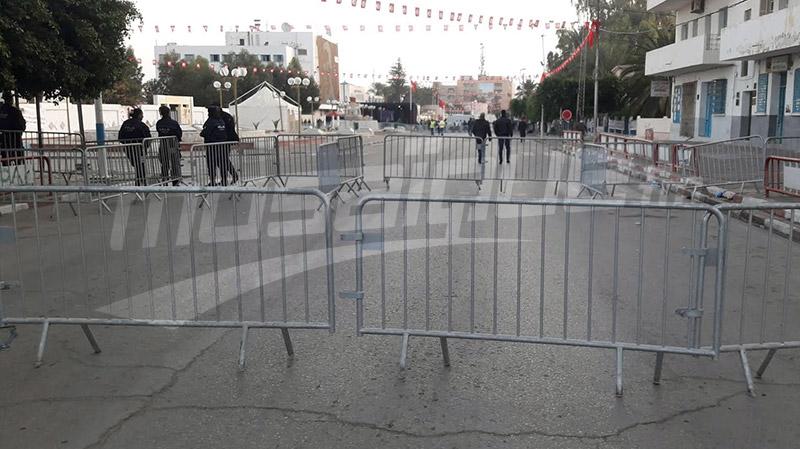 الاحتفال بذكرى الثورة: حضر المسؤولون وغاب الجمهور