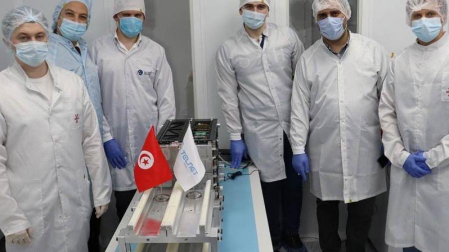تسليم القمر الصناعي التونسي إلى الشركة الروسية المتعهدة بالإطلاق