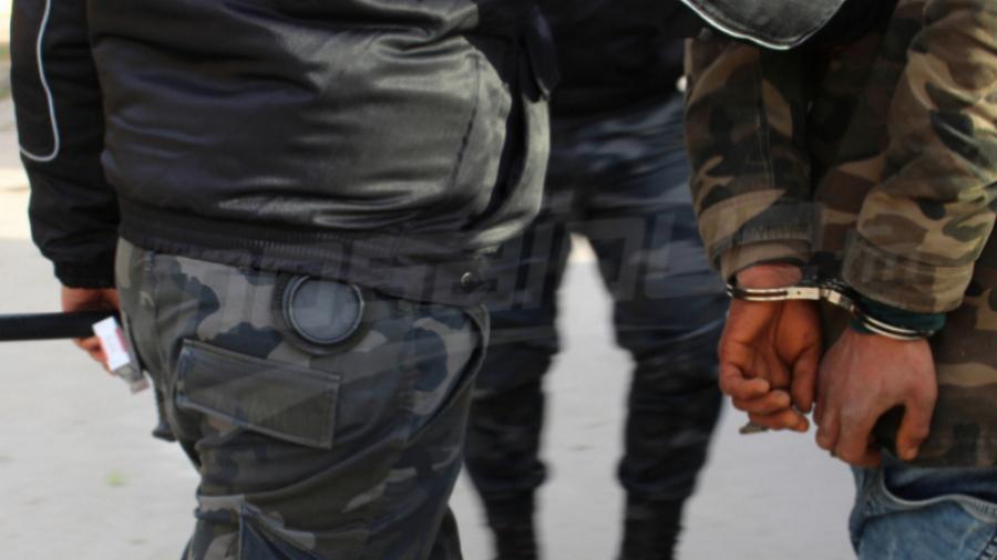 العمران: الإطاحة بعصابة مختصّة في ترويج الأقراص المخدّرة للتلاميذ