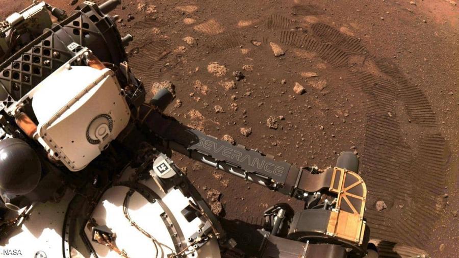 ''بيرسيفرانس'' تجري أوّل إختبار قيادة على سطح المريخ
