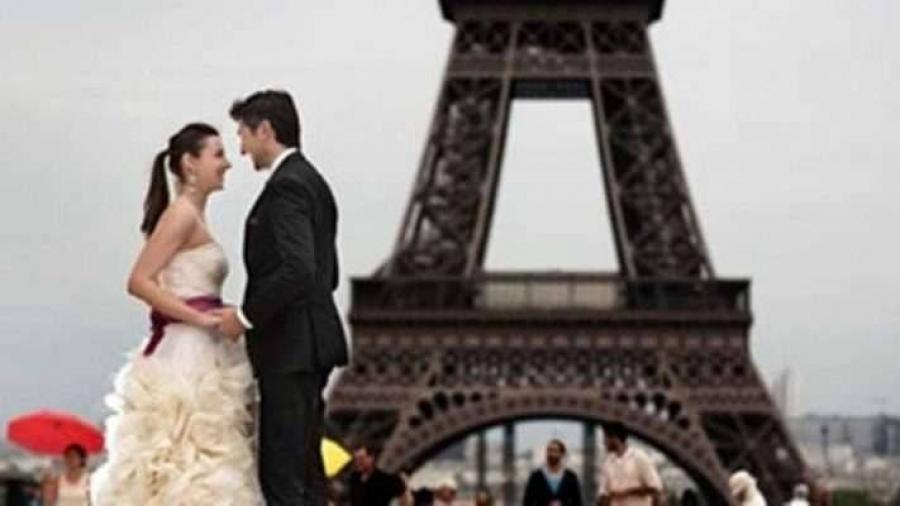 فرنسا: كُن مخلصا لزوجتك.. تتحصّل على الجنسية!