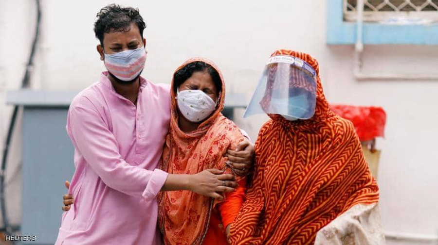 الهند تسجّل ألفي وفاة بكورونا في يوم واحد
