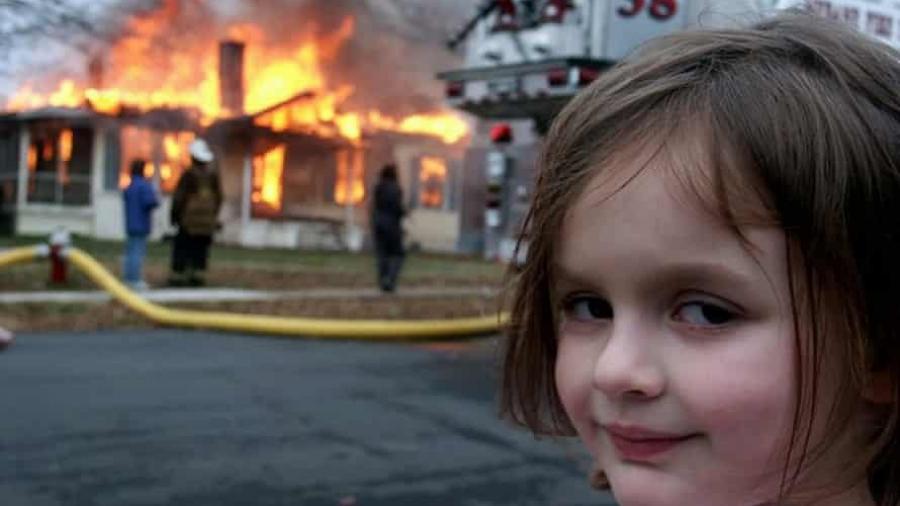 ''طفلة الحريق'' تبيع صورتها الأصلية بنصف مليون دولار!