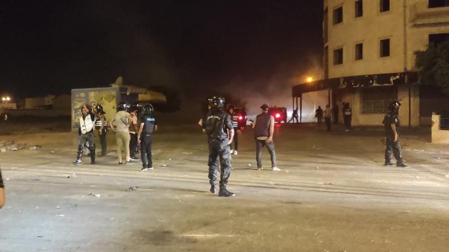 لليلة الثالثة على التوالي: تجدّد المواجهات بين الأمن وشبّان بسيدي حسين