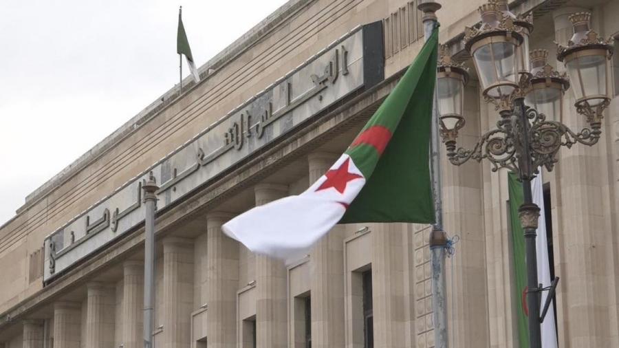 الجزائر: جبهة التحرير الوطني تخسر 7 مقاعد في البرلمان
