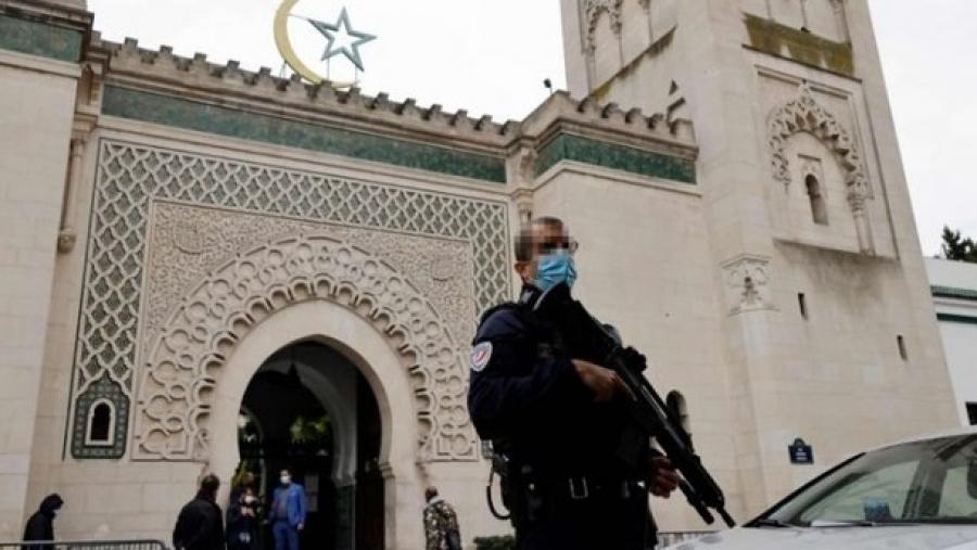 فرنسا.. إقالة إمام مسجد لتلاوته آيات ''منافية لقيم الجمهورية''