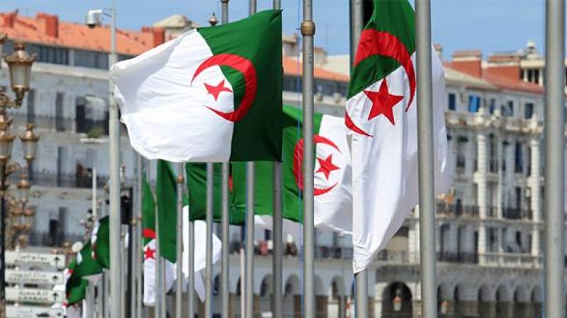 Algérie: des responsables transfèrent leurs biens