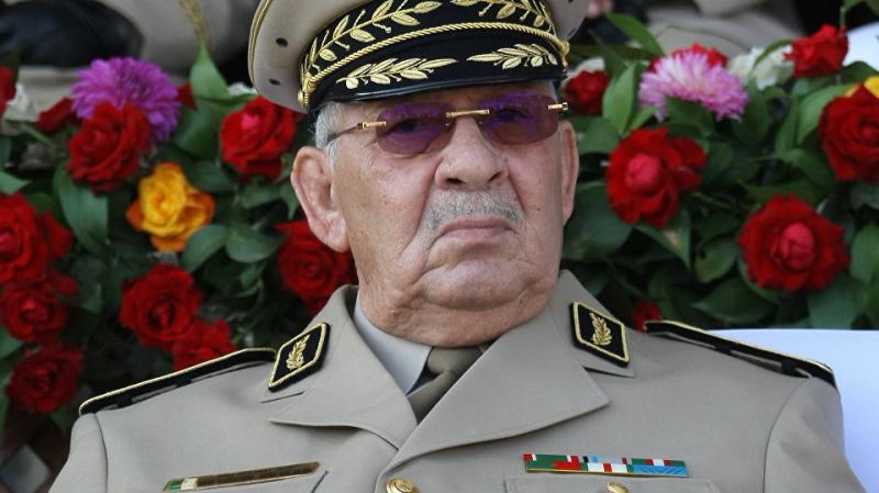 Algérie: L'armée accuse l'ex chef du renseignement de conspiration