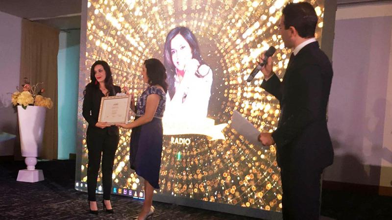 Amina Ben Doua remporte le prix d'excellence média/radio