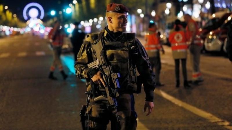 attaque aux Champs-Elysées