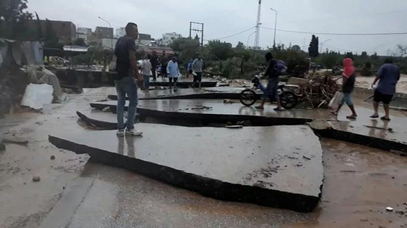 Avis aux usagers de la route: Le pont de Bir Bouragba fissuré