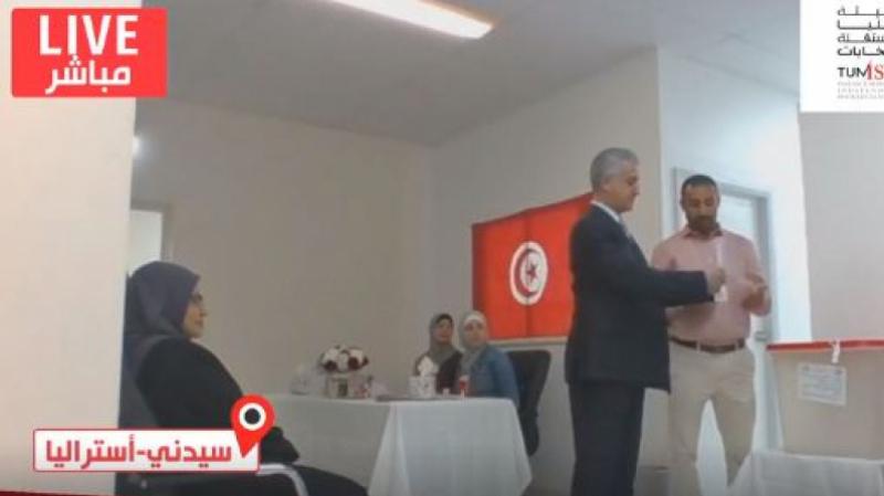Baffoun:L'affluence des électeurs plus importante dans les pays arabes