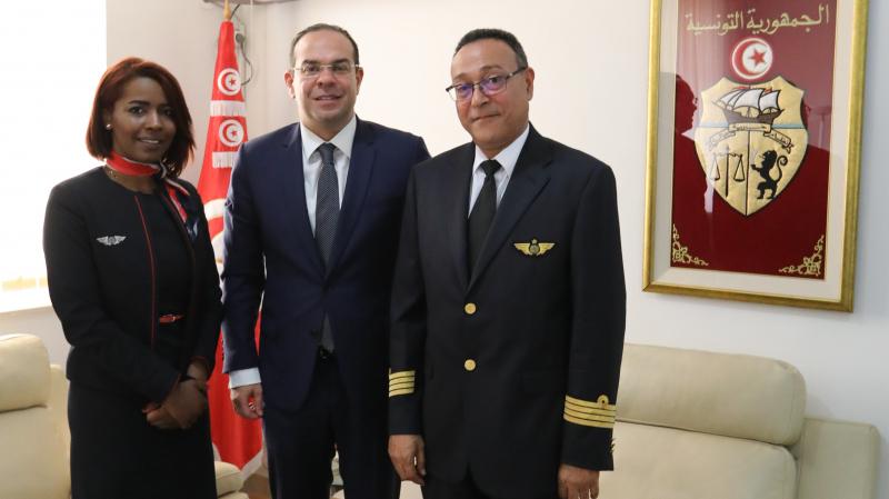ben gharbia avec le pilote et l'hôtesse de l'air