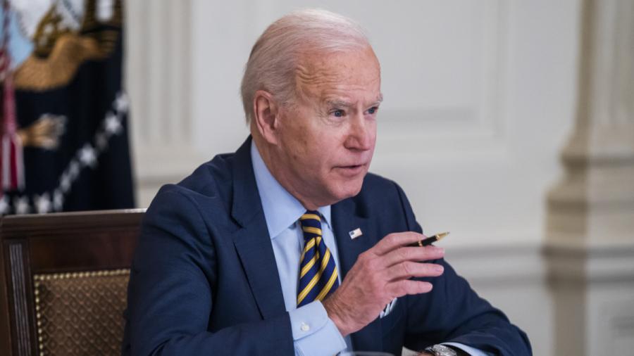 Biden appelle le gouverneur de New York à démissionner