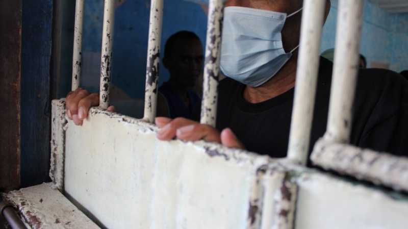Coronavirus: 450 détenus contaminés dans une prison à Chicago