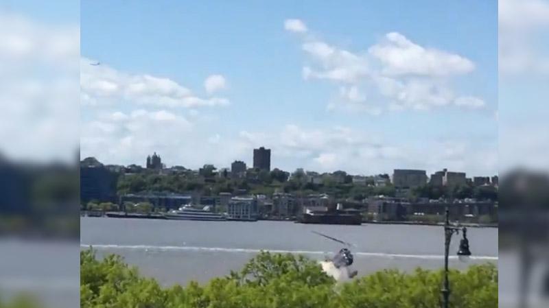 Crash d'un hélicoptère dans le fleuve Hudson à New York