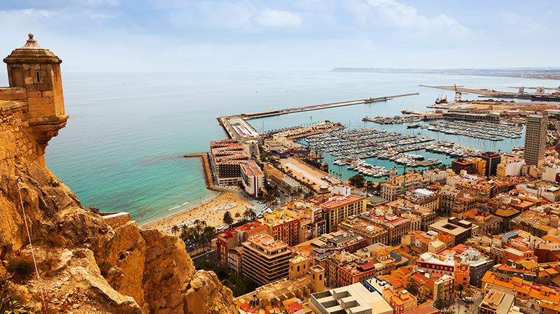 Des Tunisiens propriétaires à Alicante: Le Pôle enquête...