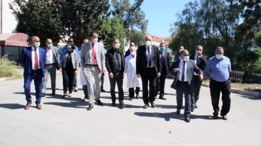 Faouzi Mahdi en visite inopinée à  l'hôpital de Menzel Bourguiba