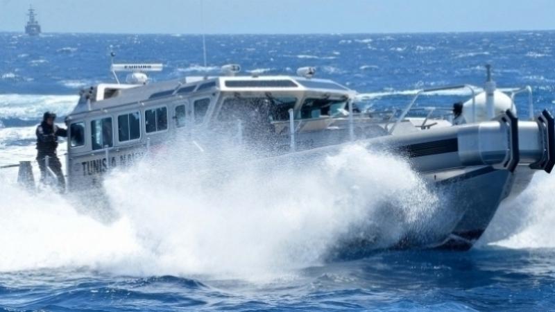 Zarzis la marine nationale sauve migrants clandestins