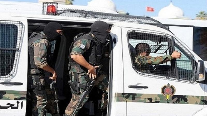 Gabes : arrestation de 30 individus recherchés et saisie de 2 voitures