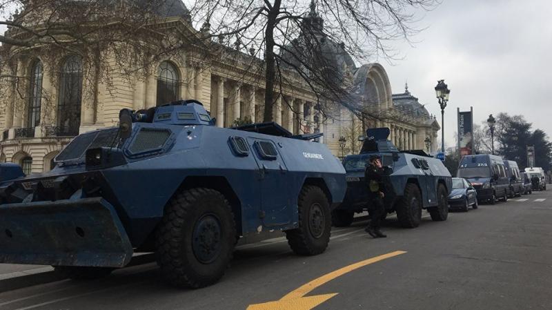 Gilets Jaunes Act 19: Paris sort sa lourde artillerie