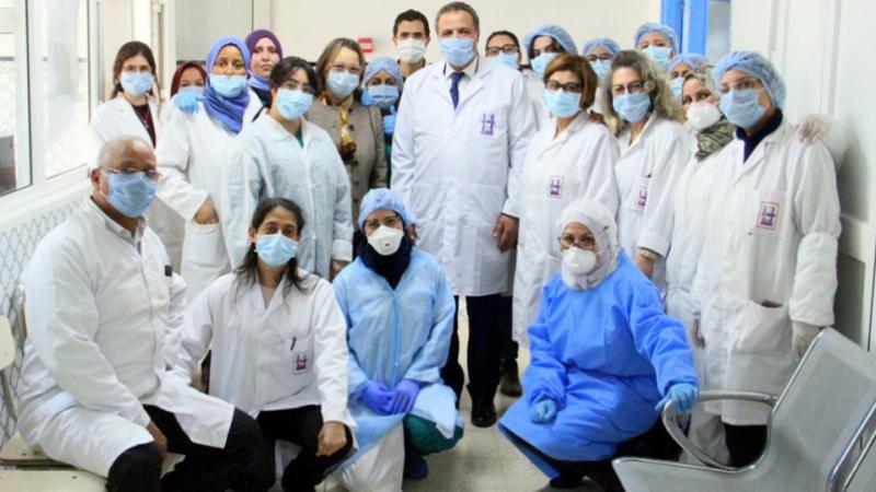 Hommage à l'équipe du laboratoire microbiologique de Charles Nicole