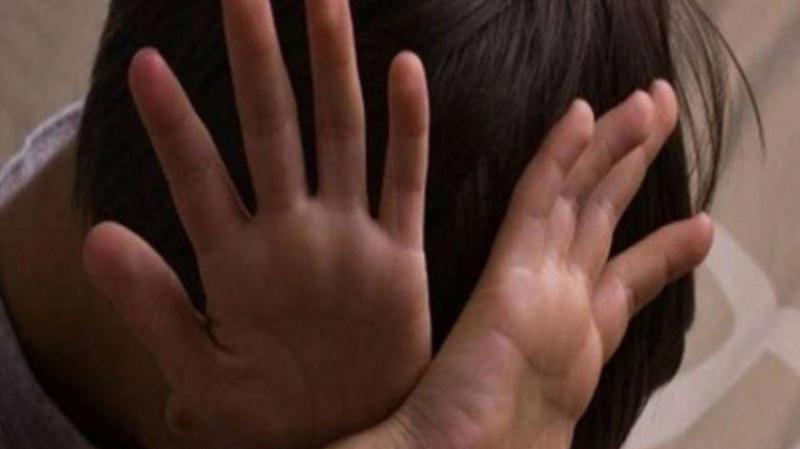 L'enfant violenté par son oncle: La mère savait et approuvait...
