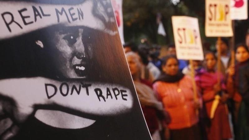 inde peines capitales pour le viol collectif d 39 une tudiante en 2012. Black Bedroom Furniture Sets. Home Design Ideas