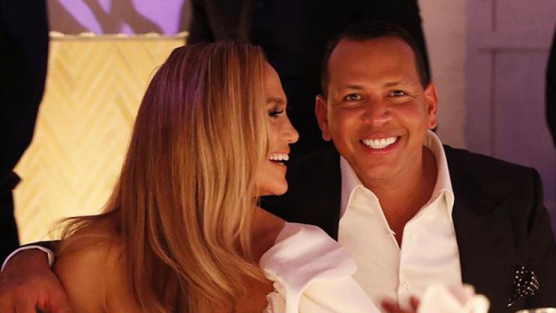 J Lo et Alex Rodriguez célèbrent leurs fiançailles