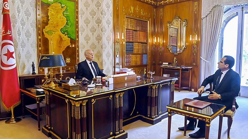 Kaïs Saïed s'entretient avec le ministre des Affaires étrangères