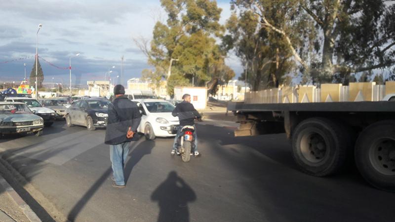 Kasserine : la famille du berger blessé bloque la route principale