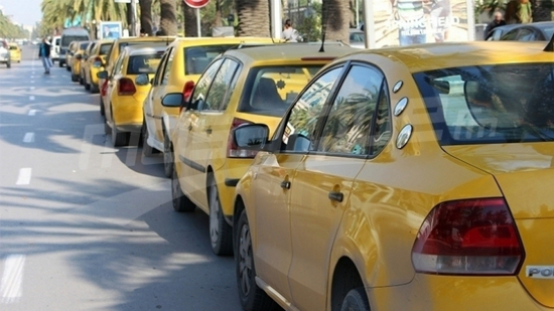 Kébili : Sit-in des propriétaires de taxis individuels