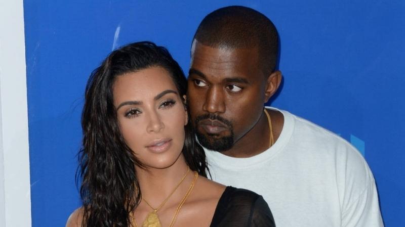 Kim Kardashian  fait appel à une mère porteuse