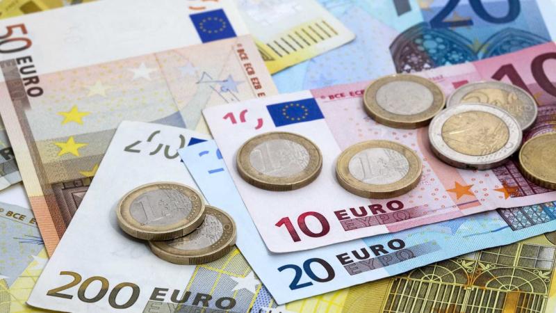 L'euro sous la barre des 3,300 dinars