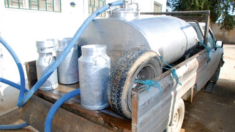 L'Union des Agriculteurs menace de suspendre la production de lait