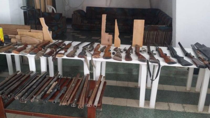 La voute d'une maison transformée en atelier de fabrication de fusils