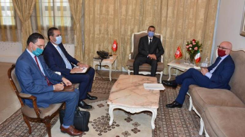 Le ministre de l'Intérieur s'entretient avec l'ambassadeur d'Italie