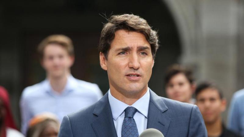 Législatives au Canada: une photo de Trudeau fait polémique