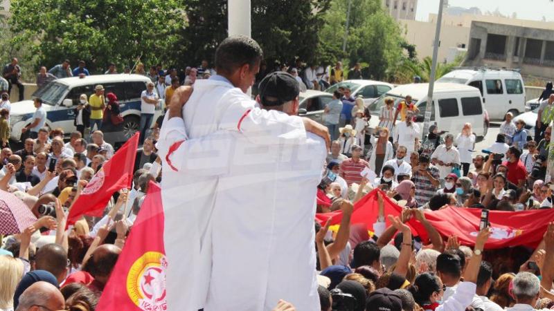 Les médecins et les pharmaciens des hôpitaux universitaires en grève