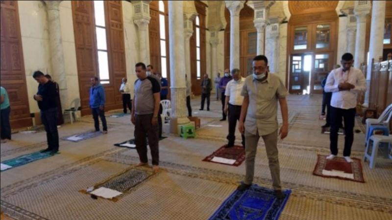 Les mosquées, les restaurants et les cafés reprennent leurs activités