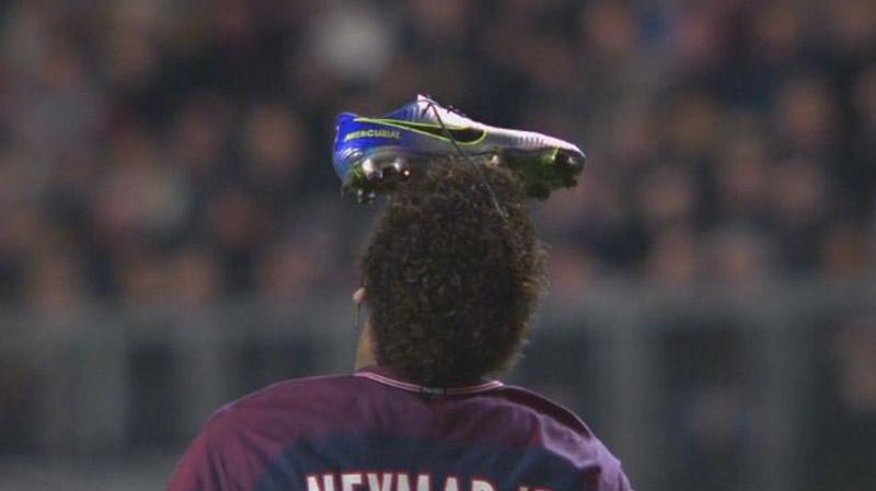Neymar a célébré un but d'une drôle de façon