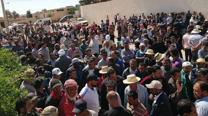 Plus de 2000 ouvriers de la société de l'environnement en grève
