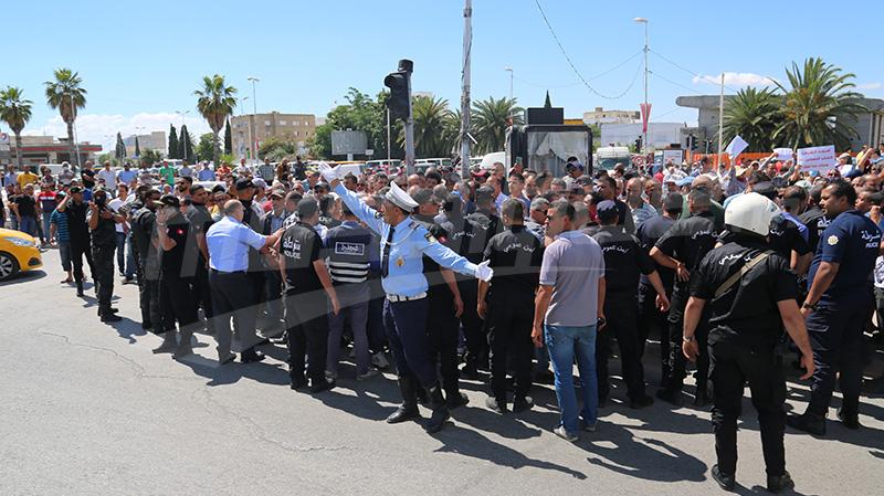 Plusieurs rassemblements de protestation sur la Place du Bardo