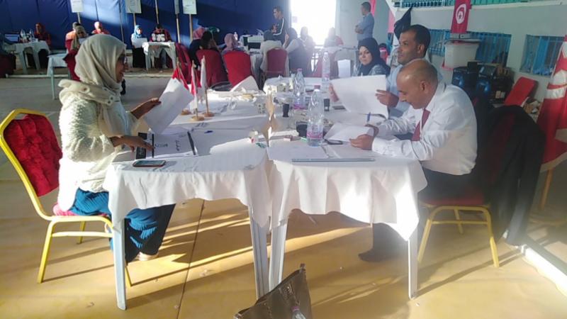 Résultats préliminaires: Saied et Karoui en tête
