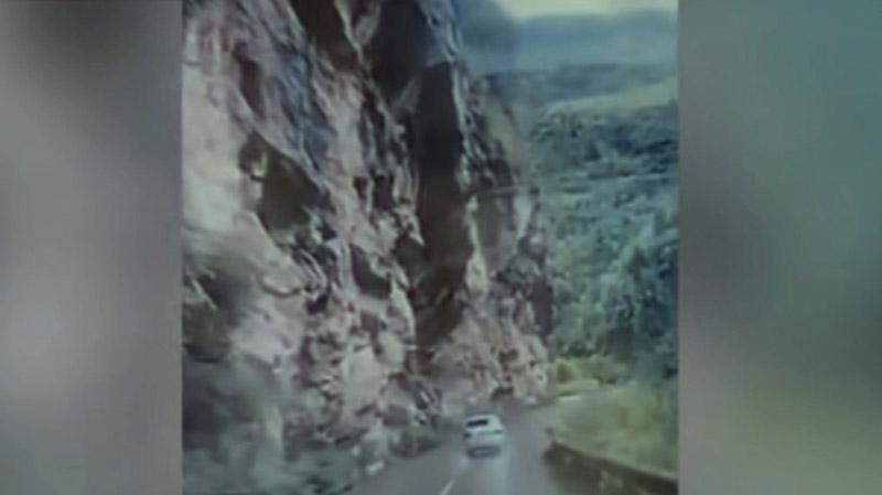 rocher-voiture