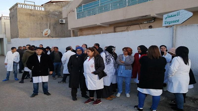 Sit-in suite à l'agression de cadres paramédicaux à Grombalia