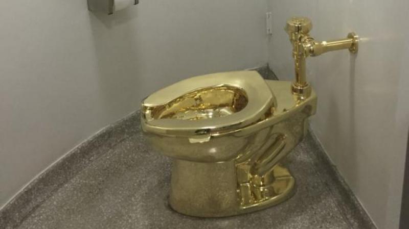 des WC en or