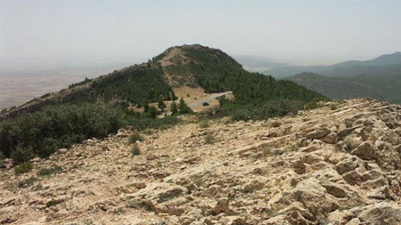 Un camp de terroristes dans les montagnes de Kasserine