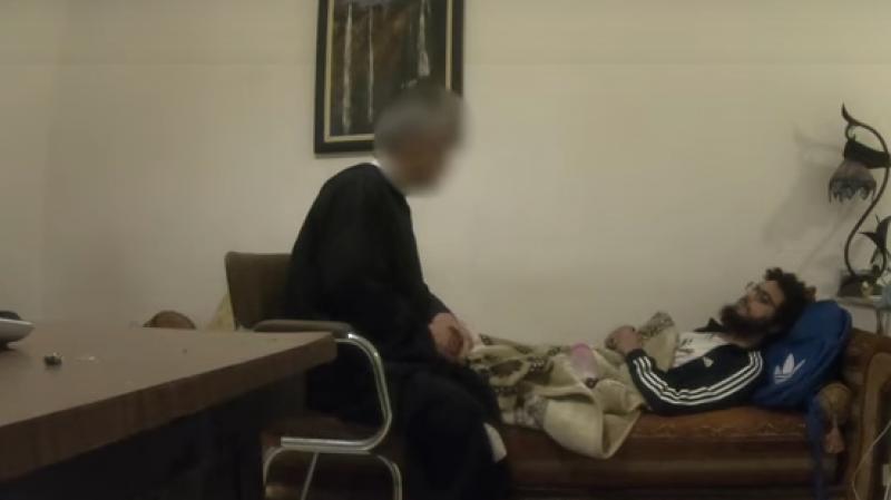 Un exorciste piégé par un jeune youtubeur