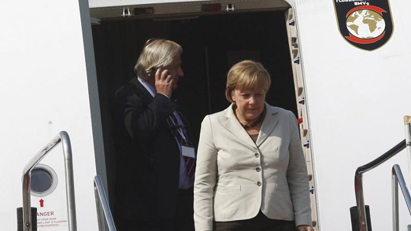 Une fourgonnette percute l'avion de Merkel à Dortmund
